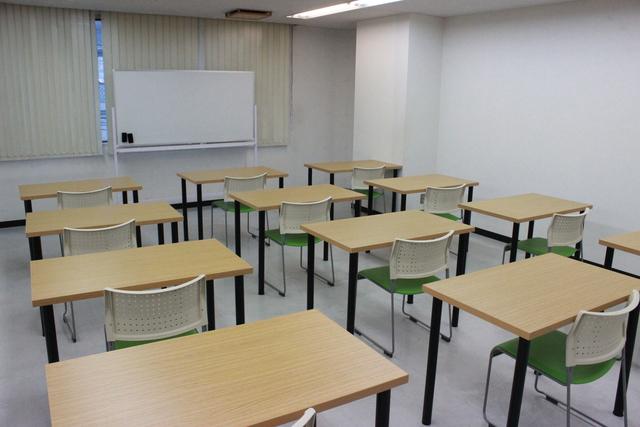 精華学園高等学校 久留米校 教室